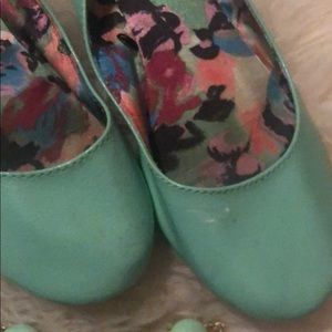 SO Shoes - Mint green ballet flat & necklace combo